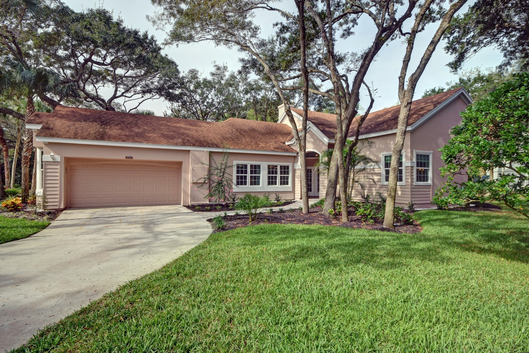 Single Family Home for Sale at Exquisitely Updated Home in Sea Oaks 1616 Bent Oak Lane Vero Beach, Florida, 32963 United States