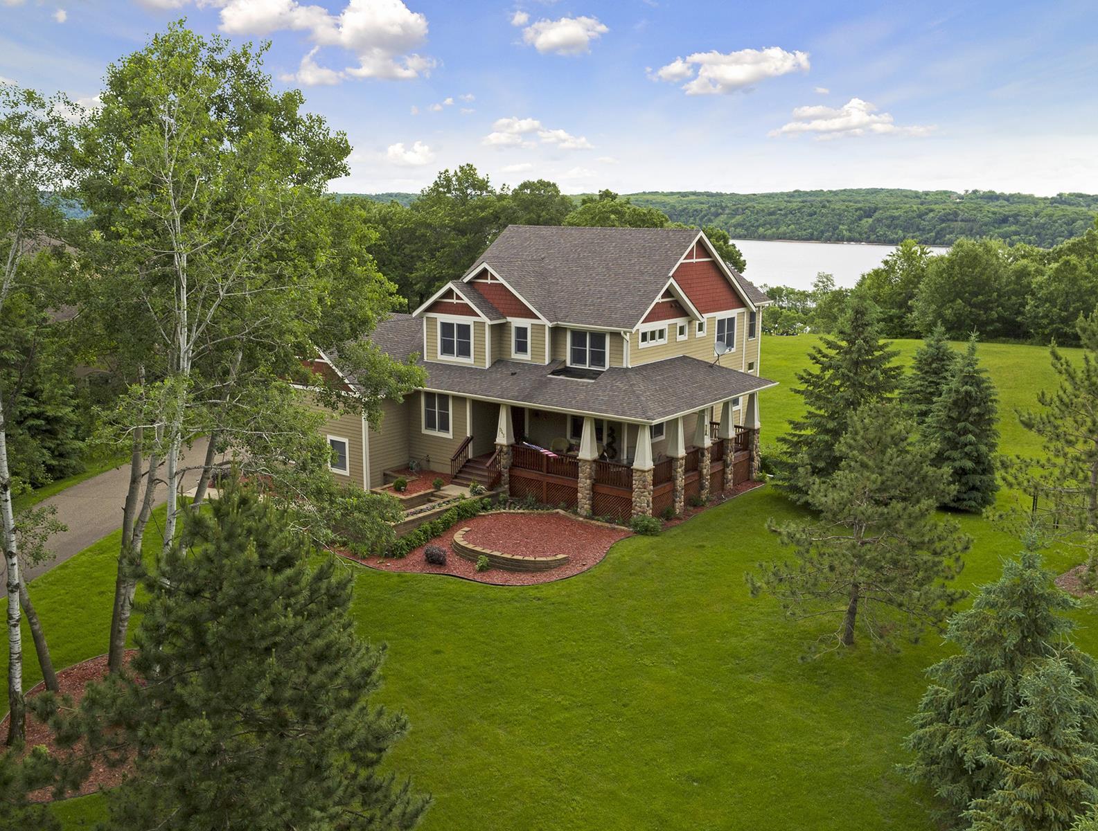 Nhà ở một gia đình vì Bán tại 945 Osprey Drive Bayport, Minnesota, 55003 Hoa Kỳ