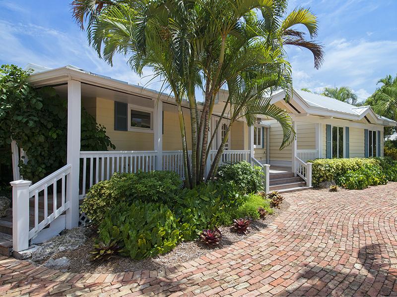 Частный односемейный дом для того Продажа на Lovely Cottage in the Villa Cay of Ocean Reef 309 Carysfort Road Ocean Reef Community, Key Largo, Флорида 33037 Соединенные Штаты