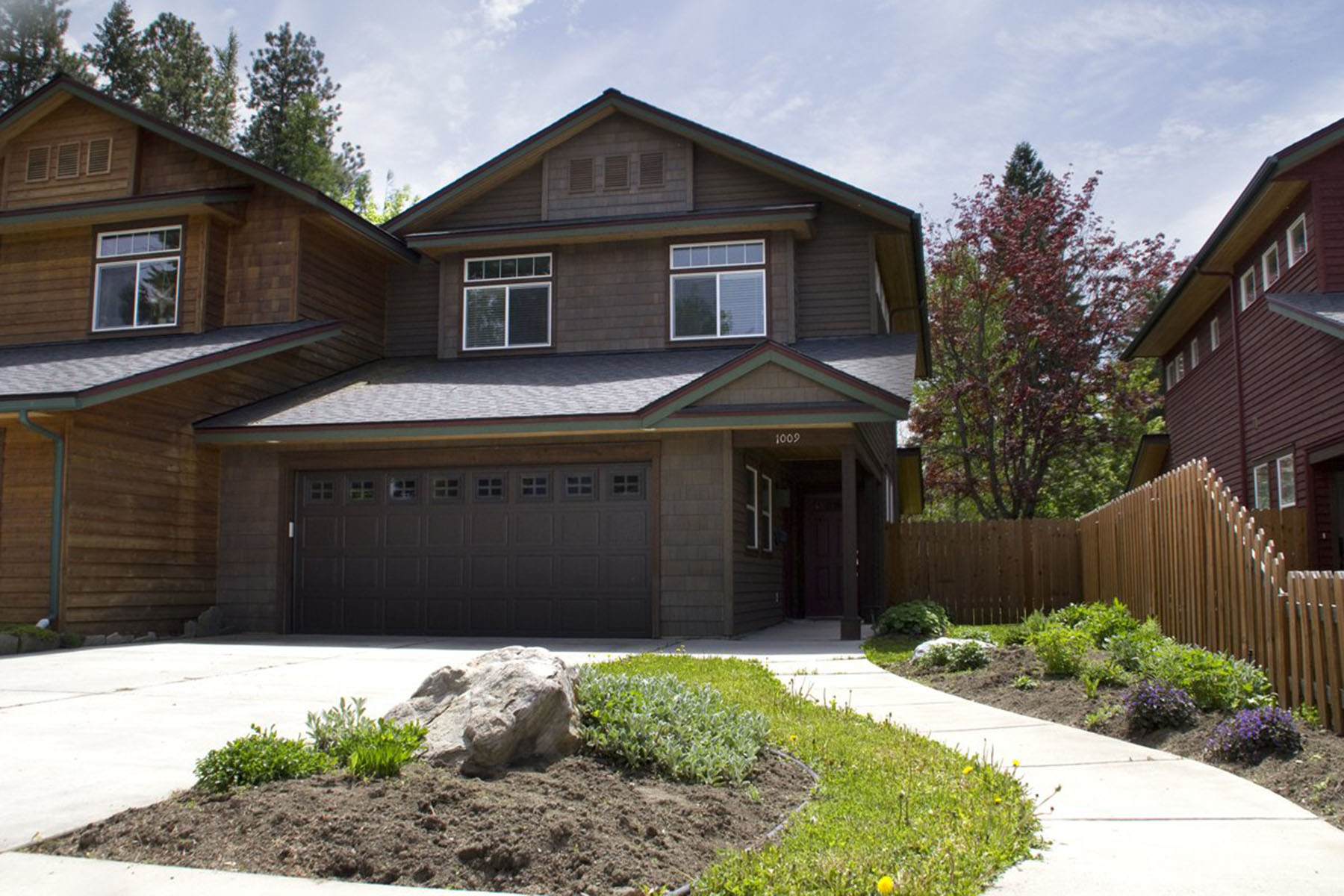 Single Family Home for Sale at Well-appointed In-town Townhome! 1009 PINE ST Sandpoint, Idaho 83864 United States