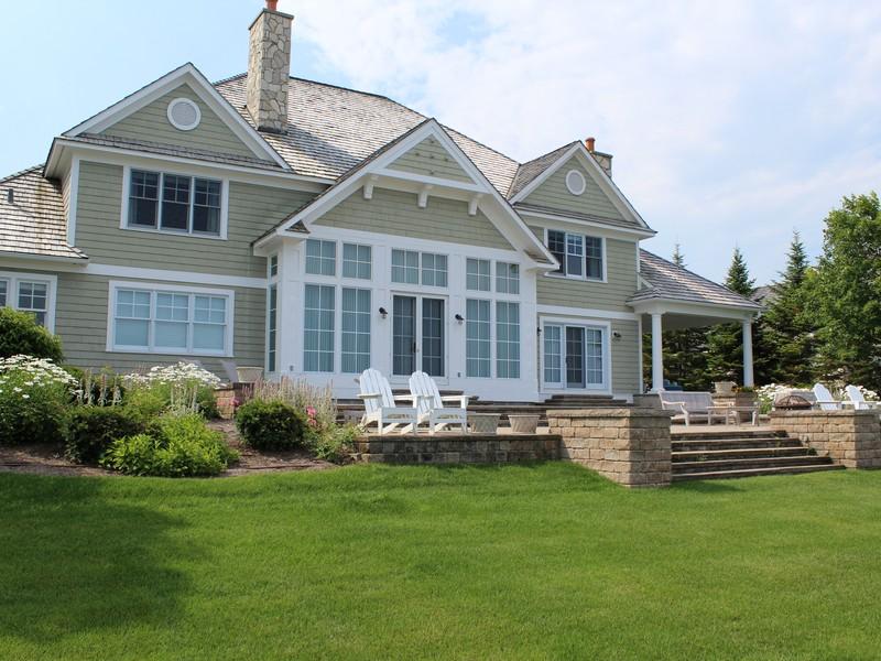 Casa para uma família para Venda às 3890 Peninsula Drive Bay Harbor, Michigan 49770 Estados Unidos