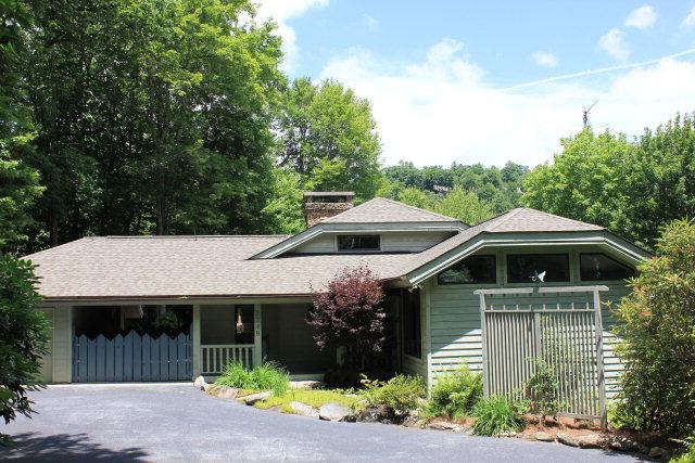 獨棟家庭住宅 為 出售 在 2284 Upper Divide Road 2248 Upper Divide Road Highlands, 北卡羅來納州 28741 美國