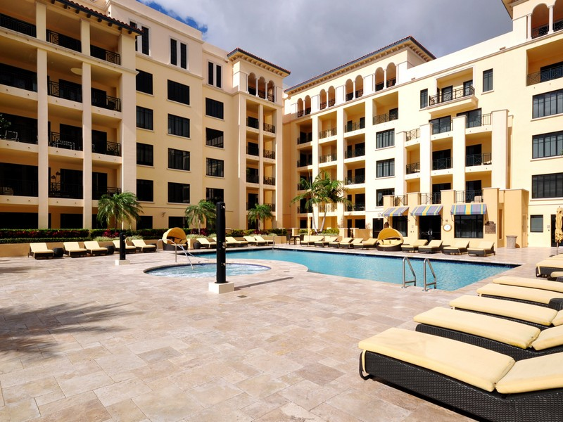 Condominio por un Venta en 200 E Palmetto Park Rd , Ph-9, Boca Raton, FL 3343 200 E Palmetto Park Rd Ph-9 Boca Raton, Florida 33432 Estados Unidos