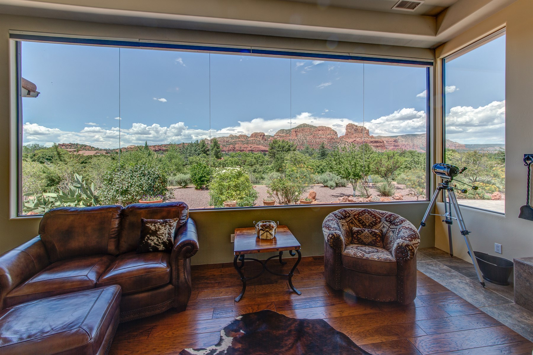 Moradia para Venda às Enchanted by Sedona's beauty, stunning million dollar views. 16 Well RD Sedona, Arizona 86351 Estados Unidos