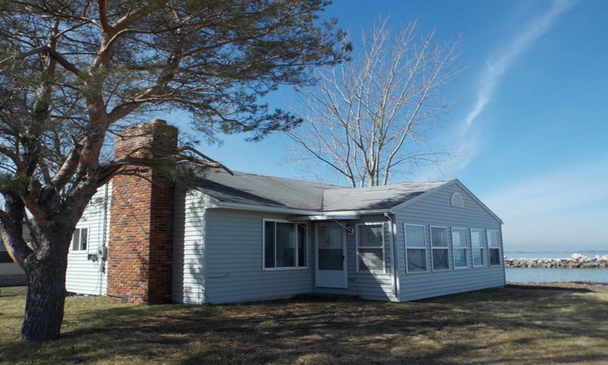 sales property at 6840 N. Joan