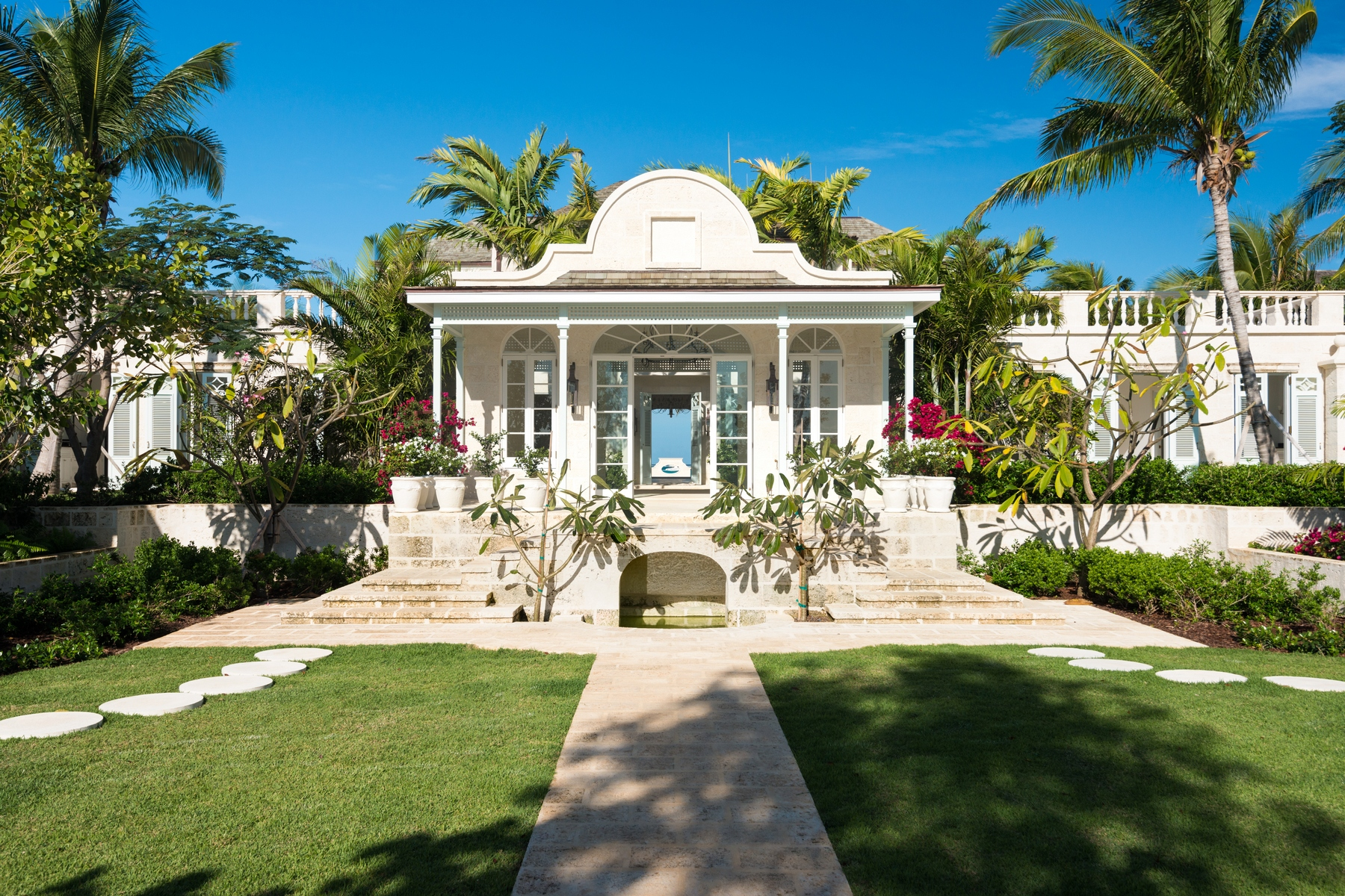 Additional photo for property listing at Coral Pavilion Grace Bay, Providenciales Islas Turcas Y Caicos