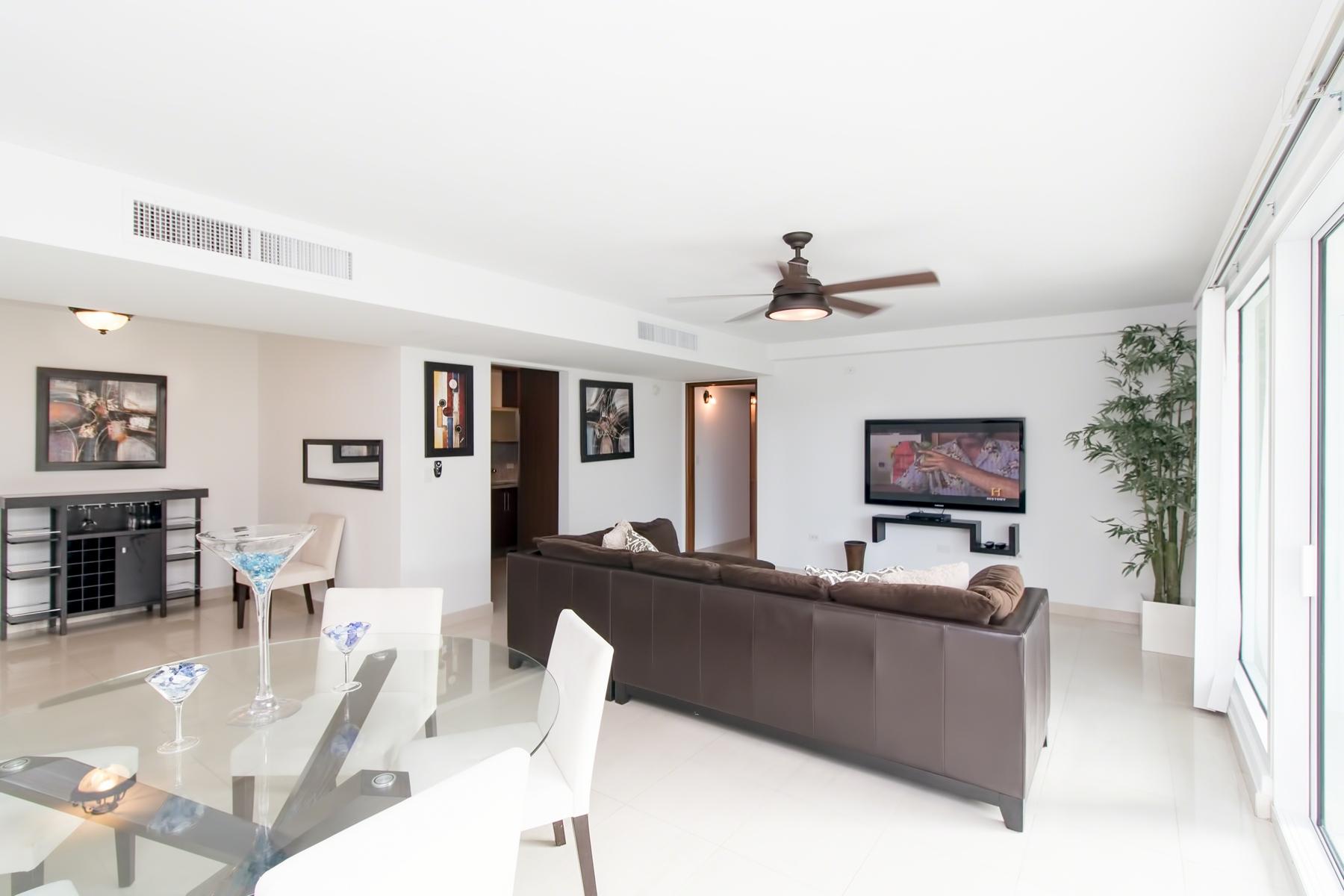 Apartamento por un Alquiler en Ocean Front at Aquamarina 1315 Ashford Avenue San Juan, Puerto Rico 00907 Puerto Rico
