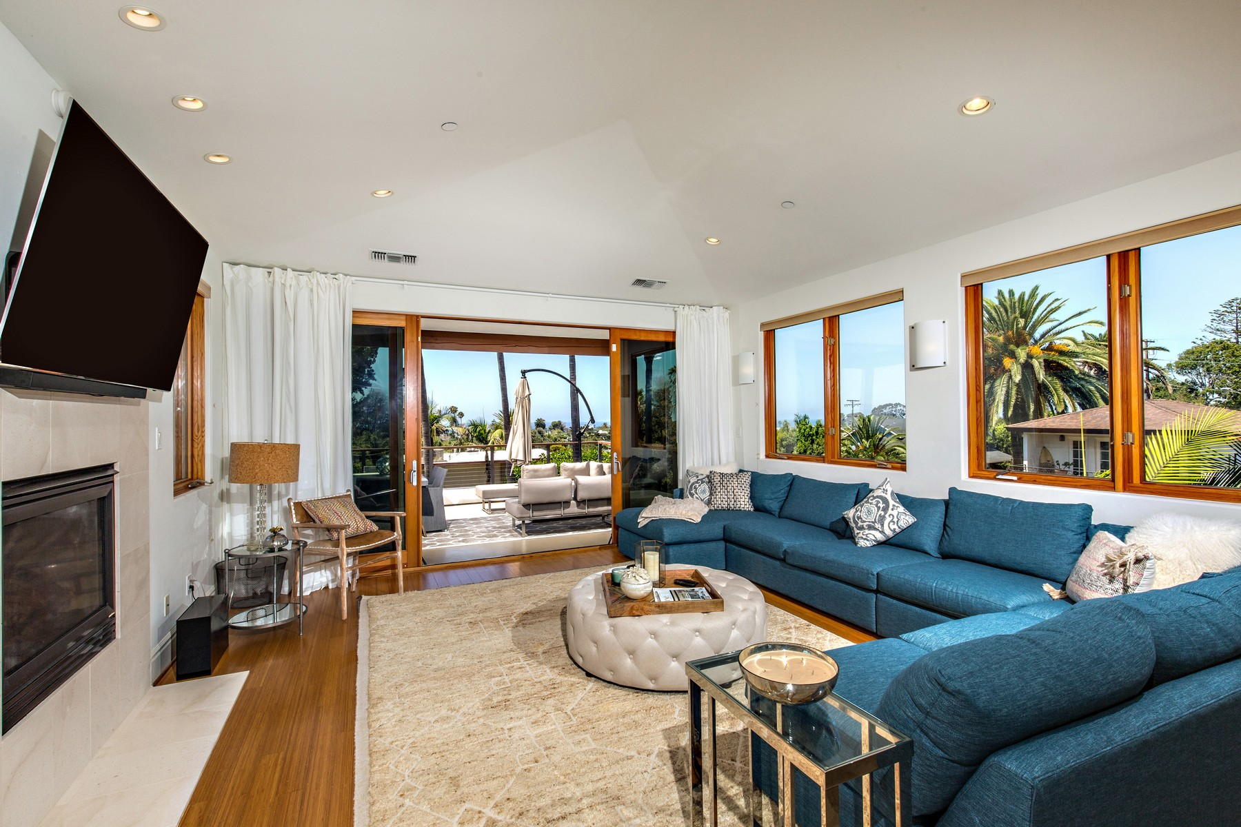 Additional photo for property listing at 733 Stratford Drive  Encinitas, Californie 92024 États-Unis