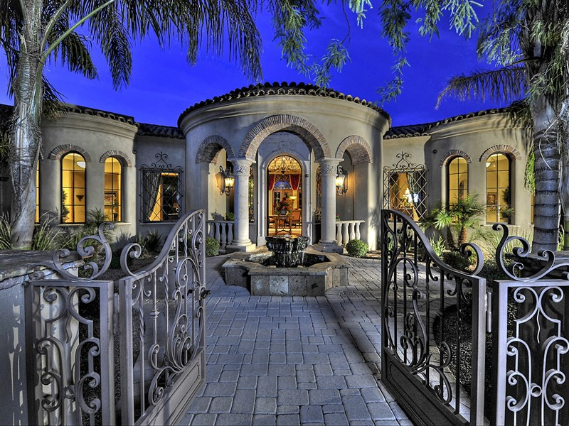Property For Sale at Custom Beauty in Paradise Valley
