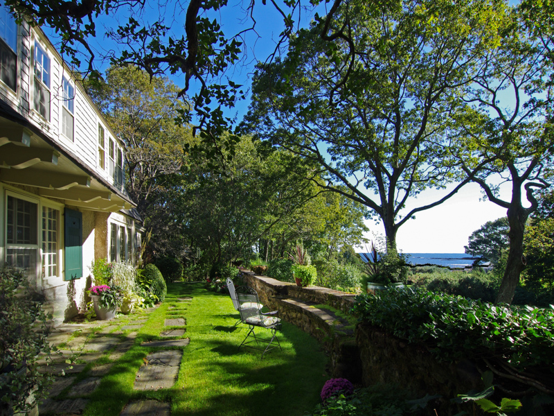 Single Family Home for Sale at 411 Pulpit Rock Road Cape Elizabeth, Maine 04107 United States