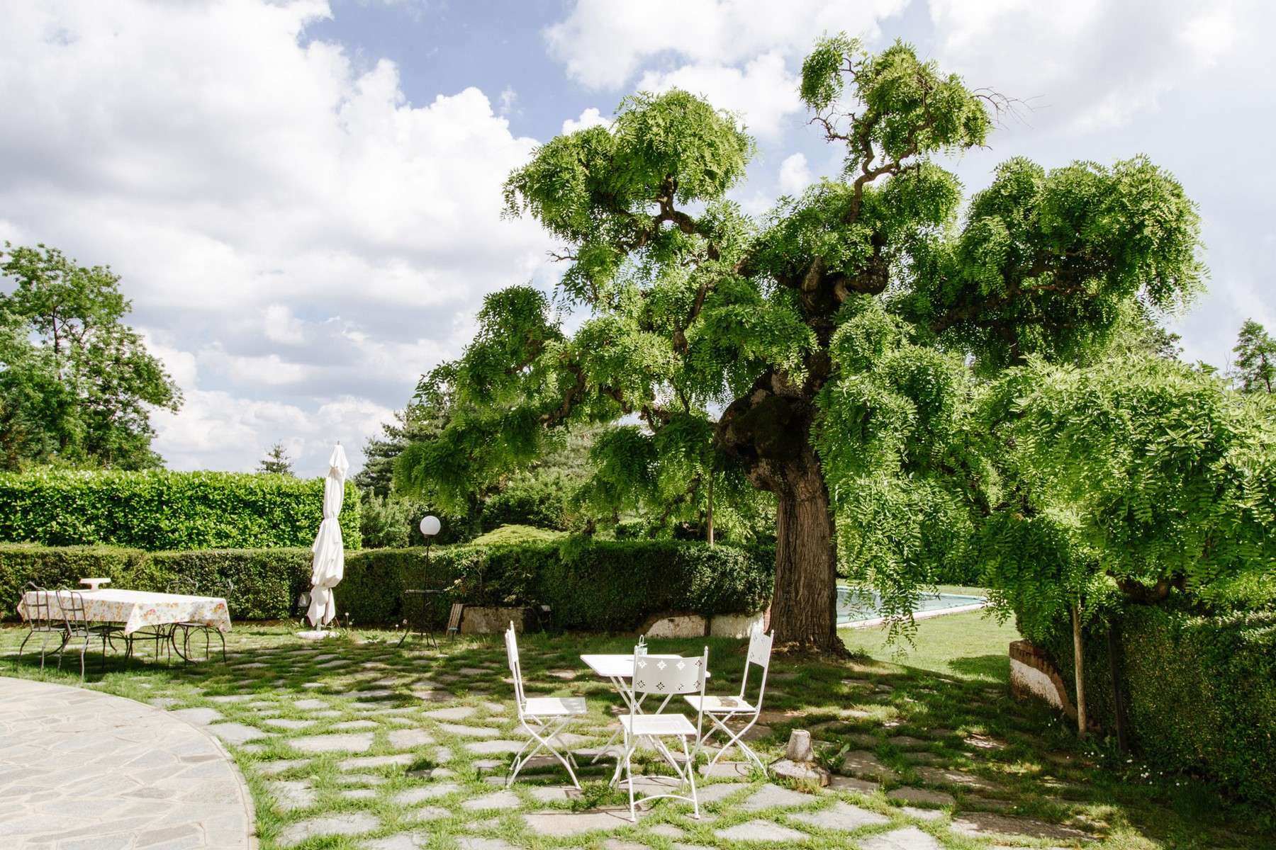 Additional photo for property listing at Historical Villa with outdoor pool Sanfre, Cuneo Italy
