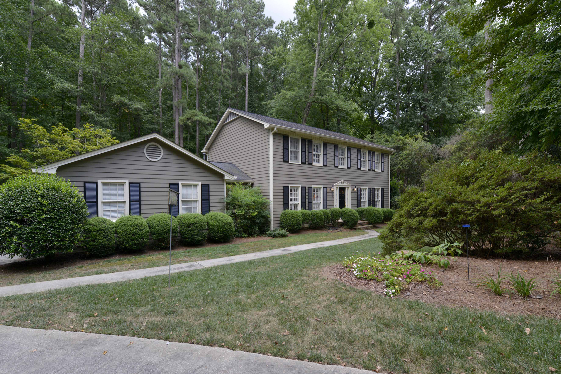 Additional photo for property listing at Beauty In The Branches 7285 Hunters Branch Drive Sandy Springs, 조지아 30328 미국