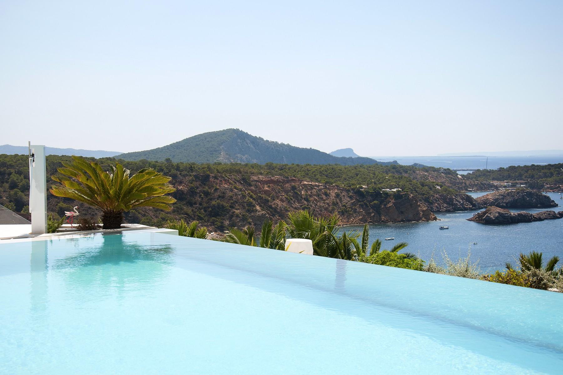 Maison unifamiliale pour l Vente à Brand New Villa In Gated Community Vista Alegre Ibiza, Ibiza, 07830 Espagne