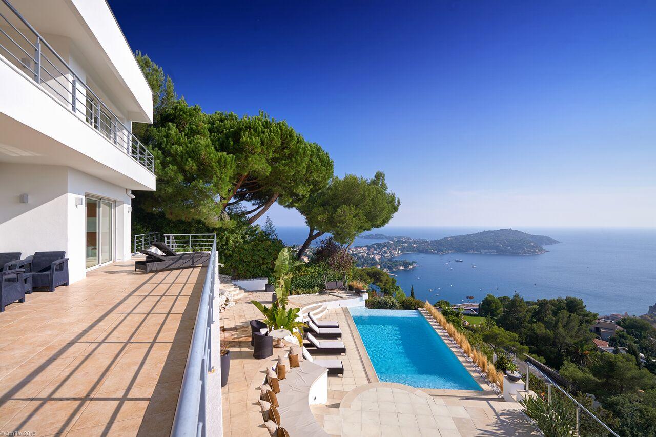 단독 가정 주택 용 매매 에 Contemporary villa in unique position dominant over the bay of Villefranche Villefranche Sur Mer, 프로벤스 앞ㄹ프스 코테 D'Azur 06230 프랑스