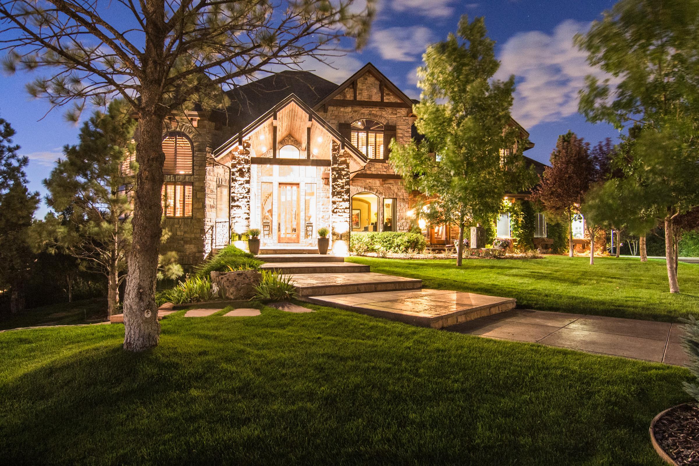 Maison unifamiliale pour l Vente à 9251 Wild Elk Pl Parker, Colorado 80134 États-Unis