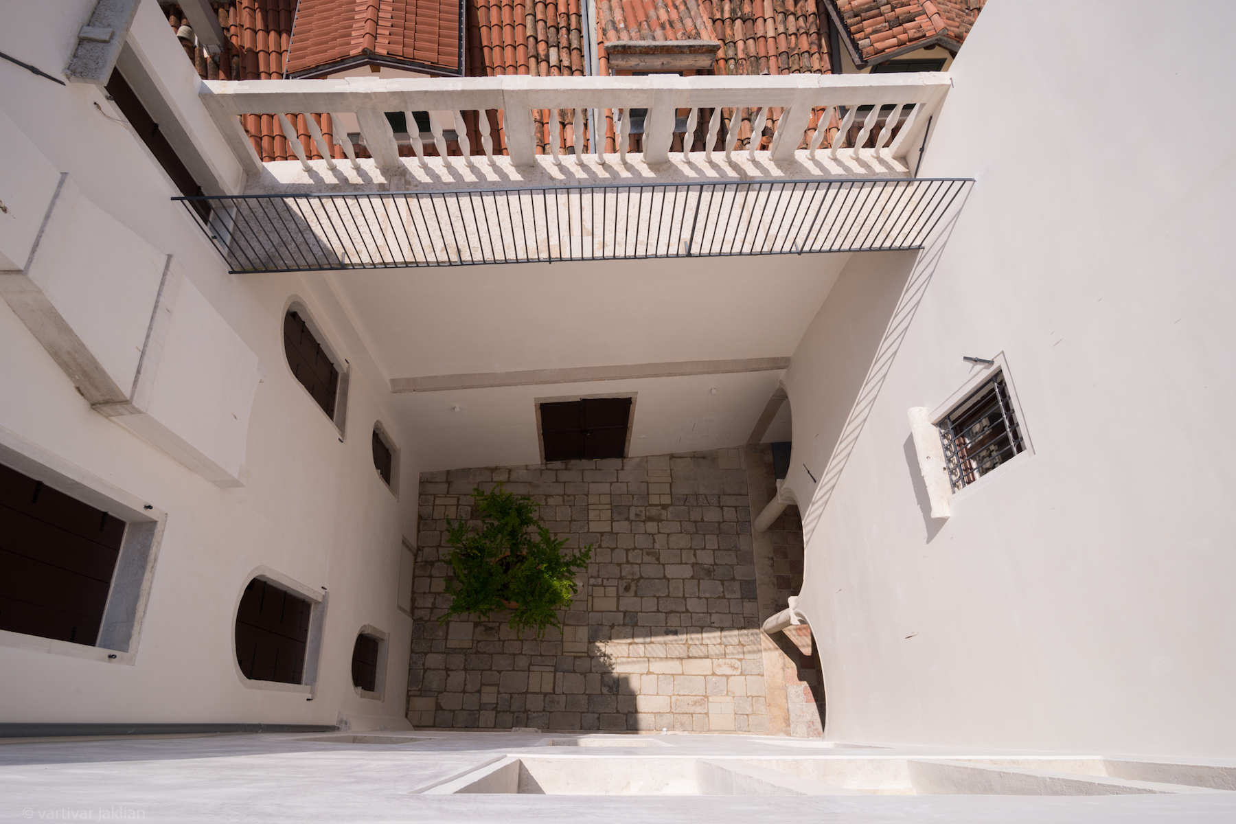 Additional photo for property listing at Lido apartment at Palazzo Garzoni Moro Venice, Venice Italia