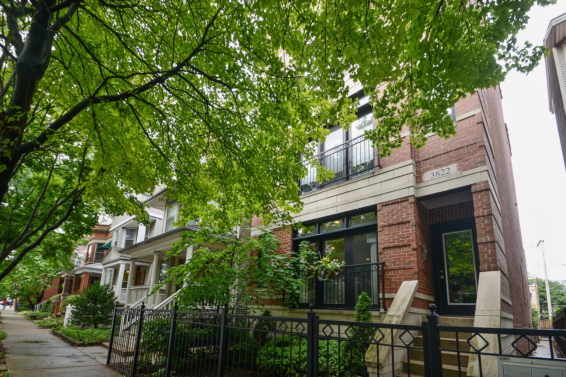 sales property at Spectacular Home in the Heart of Roscoe Village