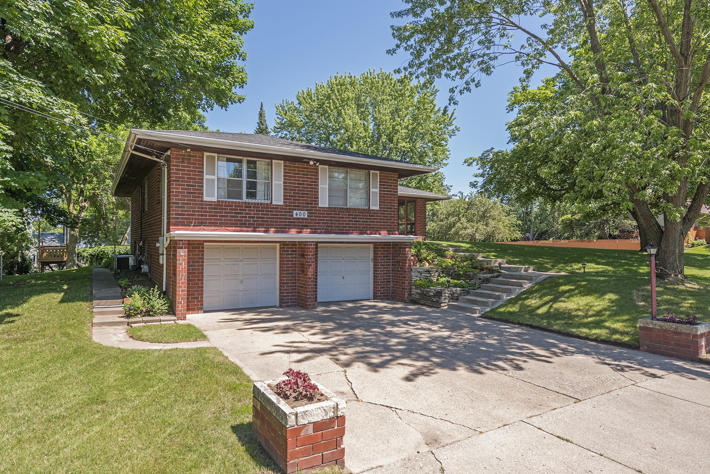 Einfamilienhaus für Verkauf beim 400 21st Avenue N South St. Paul, Minnesota, 55075 Vereinigte Staaten