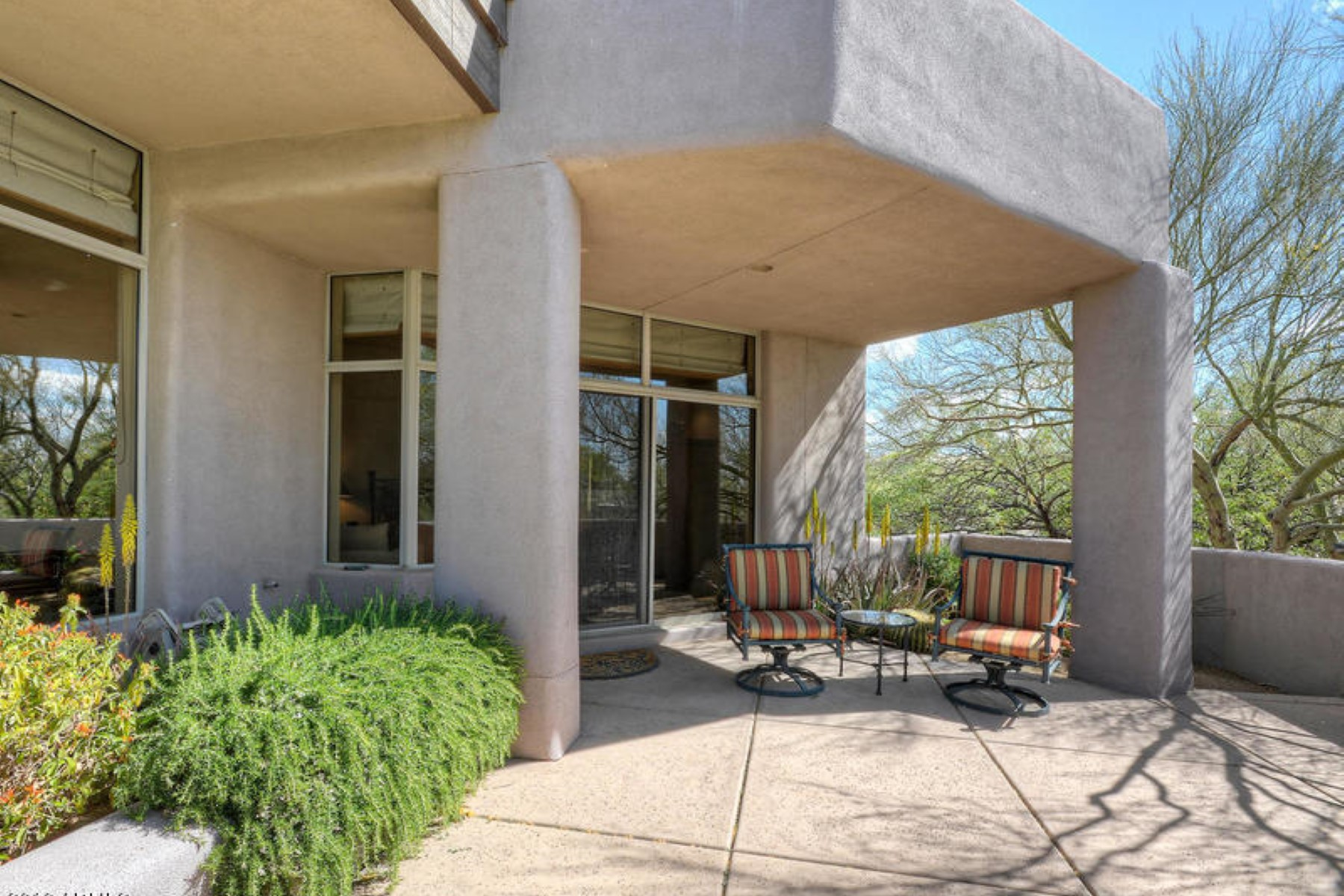 Property Of Fabulous cozy and comfortable Cochise Ridge home