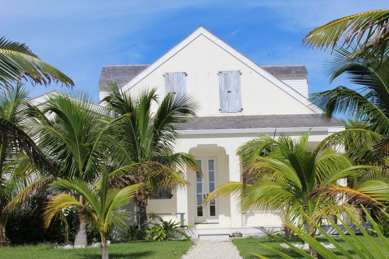 Additional photo for property listing at The Pilot House, #6 Beach Road Schooner Bay, Abaco Bahamas