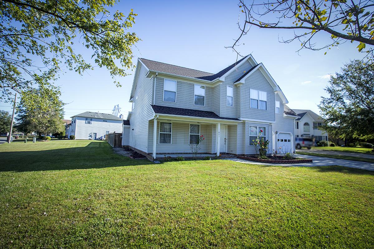 Single Family Home for Sale at Etherridge Pointe 801 Riston Ct Chesapeake, Virginia 23322 United States