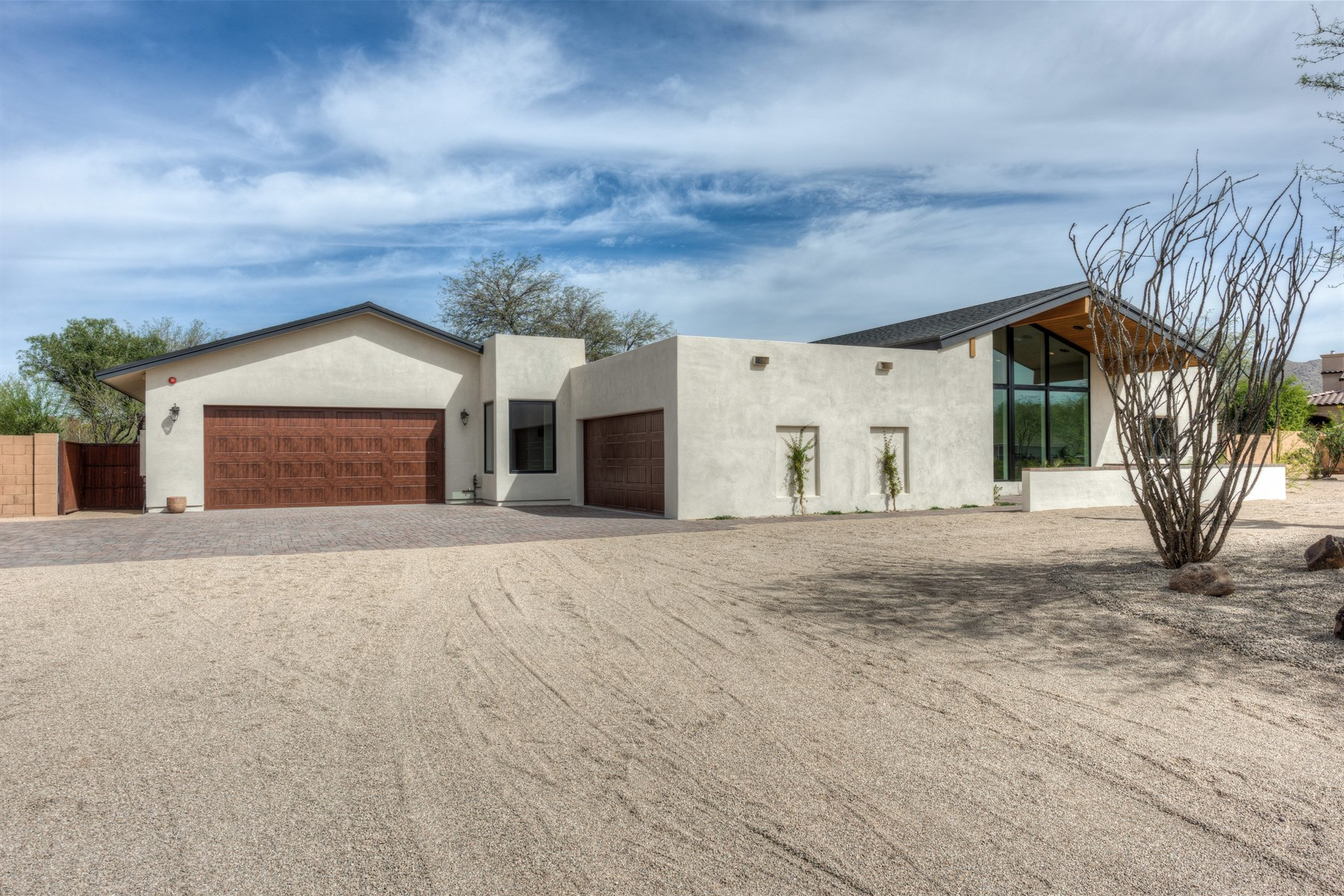 Single Family Home for Sale at Meticulously renovated soft contemporary ranchers retreat 10060 E Paradise Dr Scottsdale, Arizona, 85260 United States