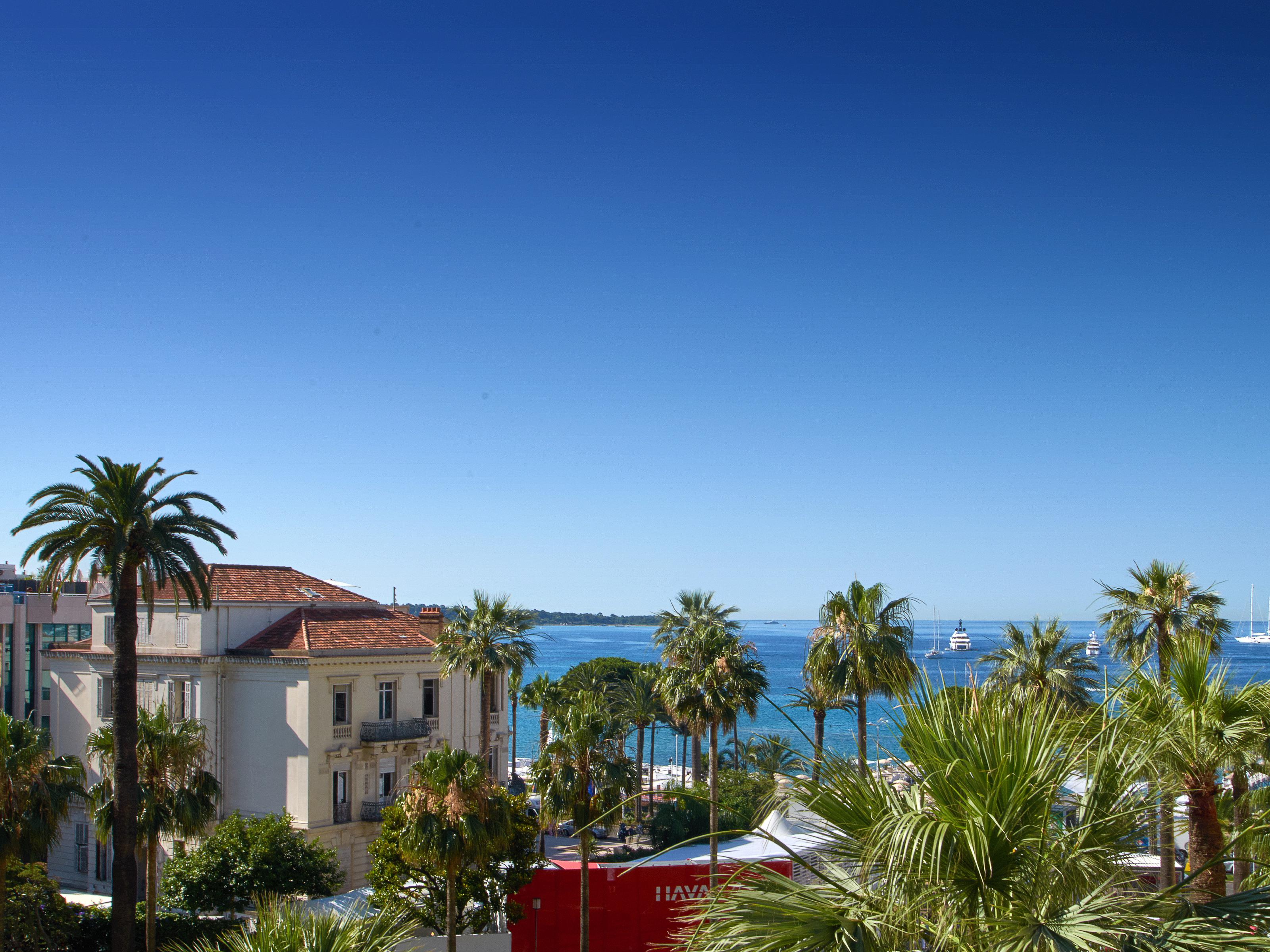 公寓 为 销售 在 In the heart of the Croisette- fully renovated apartment - Panoramic sea view Cannes Cannes, 普罗旺斯阿尔卑斯蓝色海岸 06400 法国
