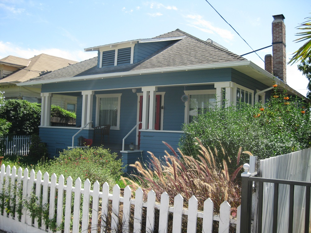 Single Family Home for Sale at 369 W Santa Cruz St San Pedro, California 90731 United States