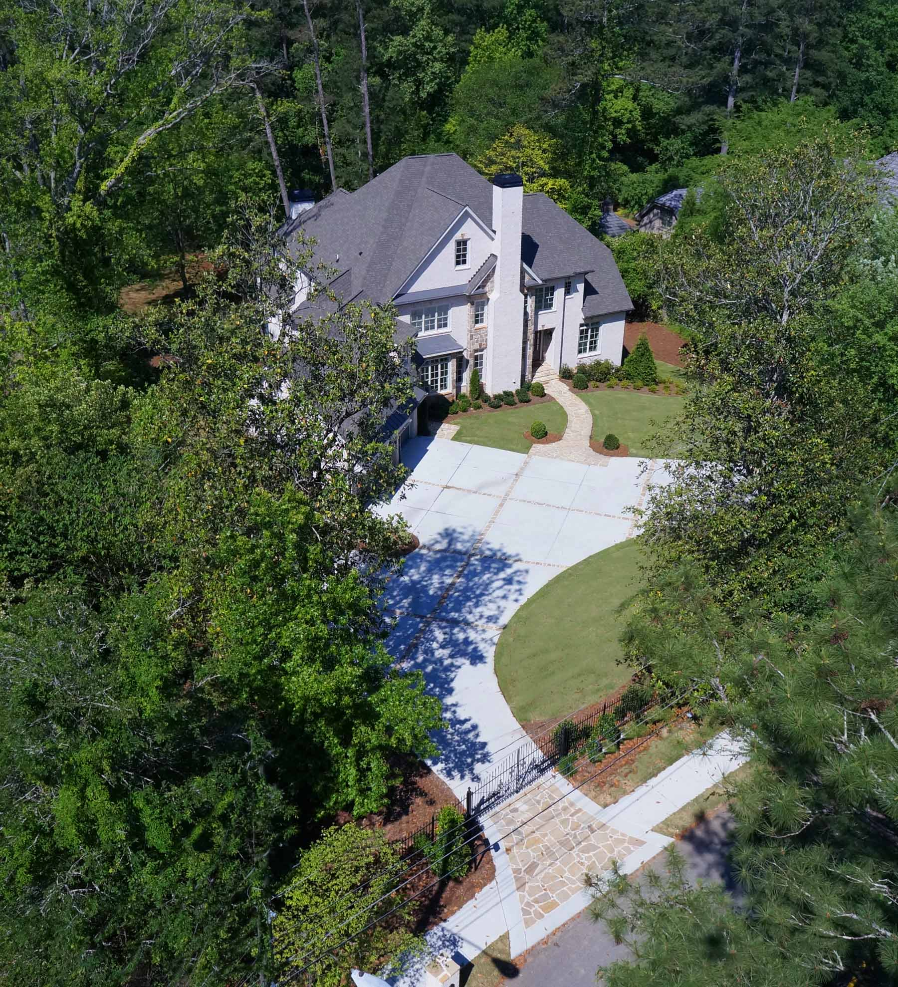 Casa para uma família para Venda às New Construction in Chastain Buckhead 5136 Powers Ferry Road Sandy Springs, Geórgia, 30327 Estados Unidos