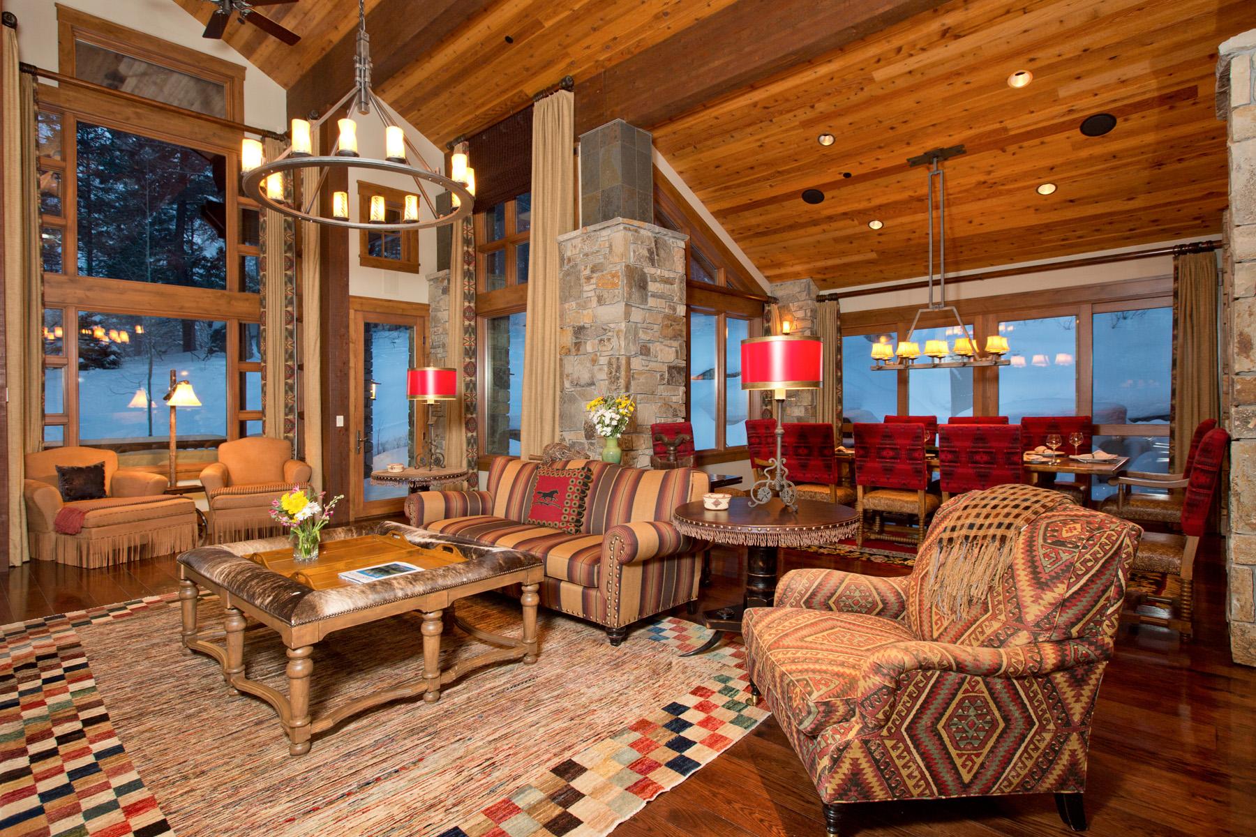 Casa para uma família para Venda às Ski-In Ski-Out Home in Teton Village 3825 W McCollister Drive Teton Village, Wyoming 83025 Estados Unidos