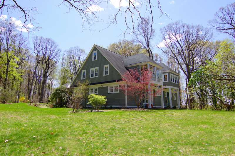 Property For Sale at Manhattan Style in the Suburbs