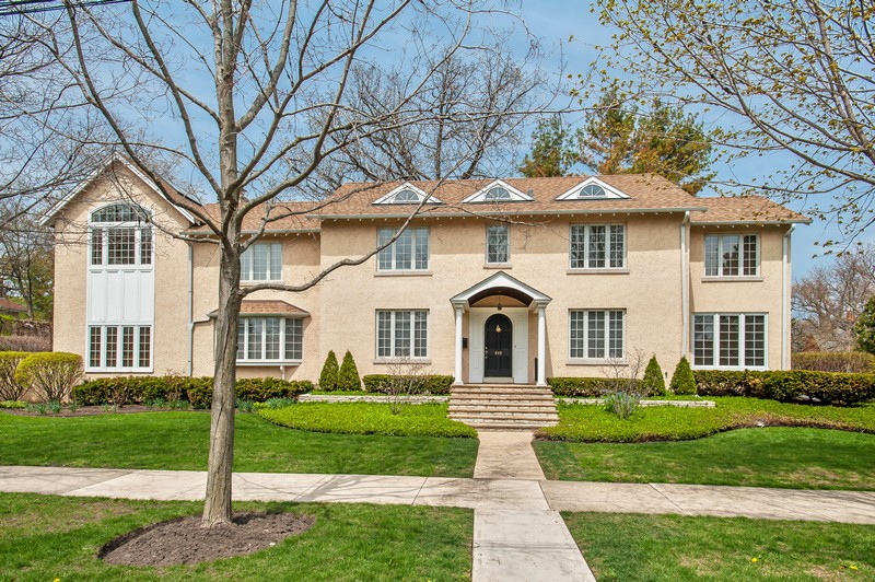 Property For Sale at Tastefully decorated and well maintained East Winnetka Home