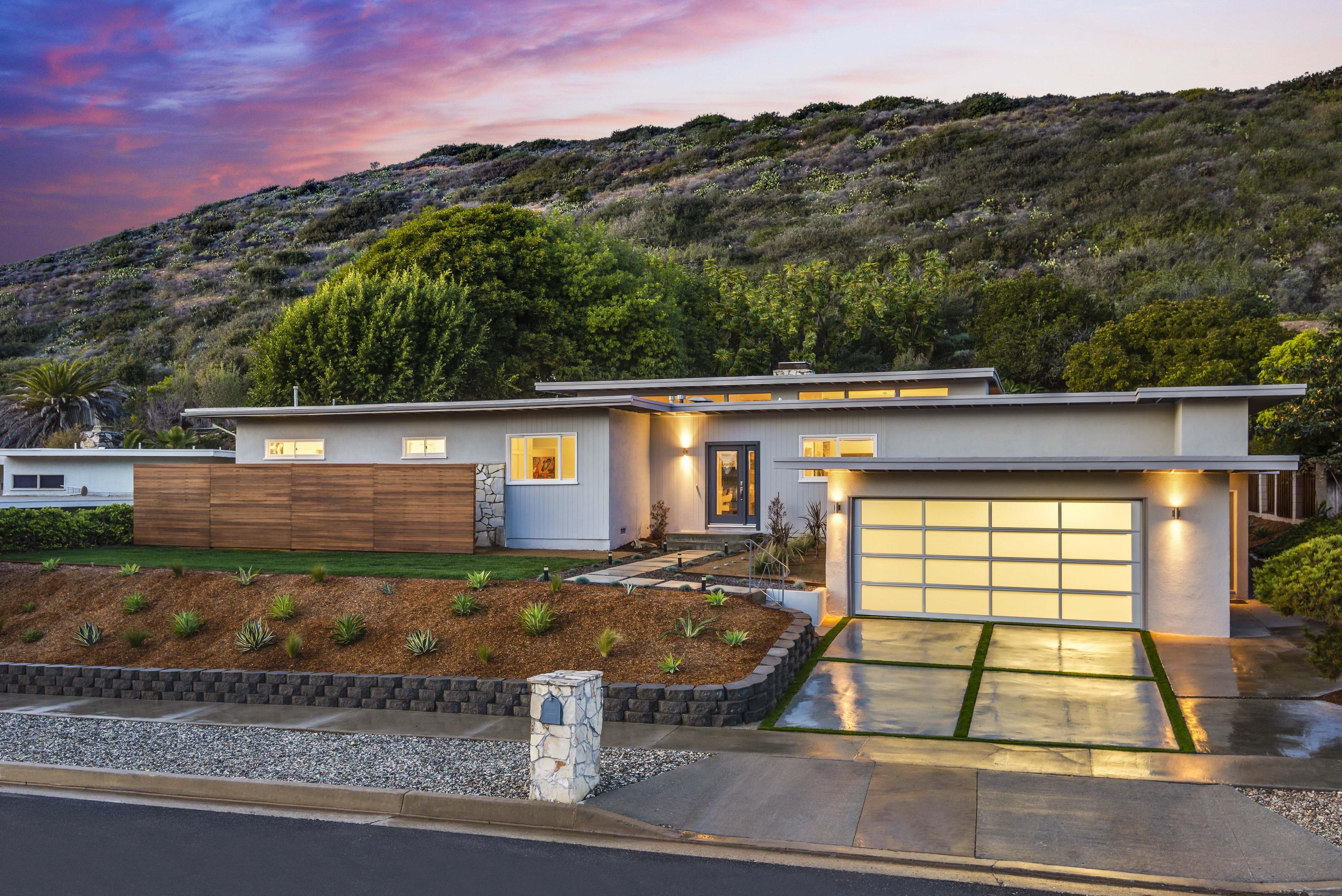 Villa per Vendita alle ore 4313 Dauntless Drive Rancho Palos Verdes, California 90275 Stati Uniti