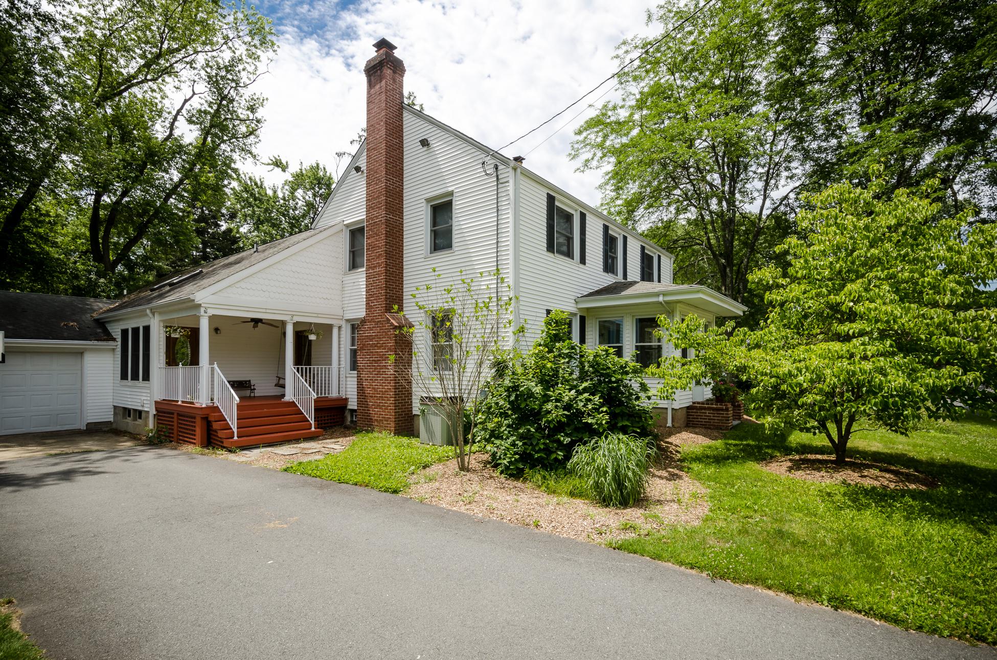 一戸建て のために 売買 アット Great Location, Great Style 26 Edgemere Avenue Plainsboro, ニュージャージー 08536 アメリカ合衆国