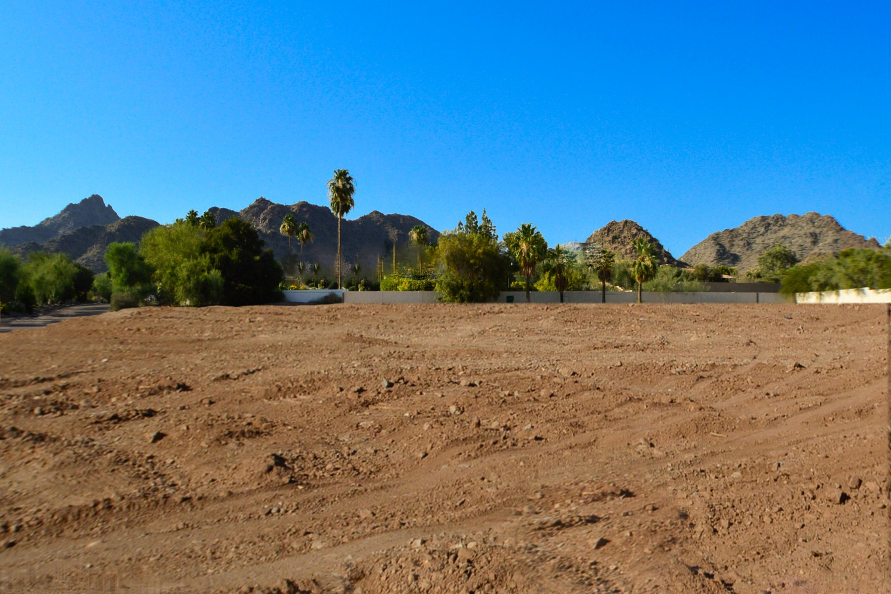 Terreno por un Venta en Extremely private and quiet 1.03 acre lot 6109 N 33Rrd St #23 Paradise Valley, Arizona, 85253 Estados Unidos