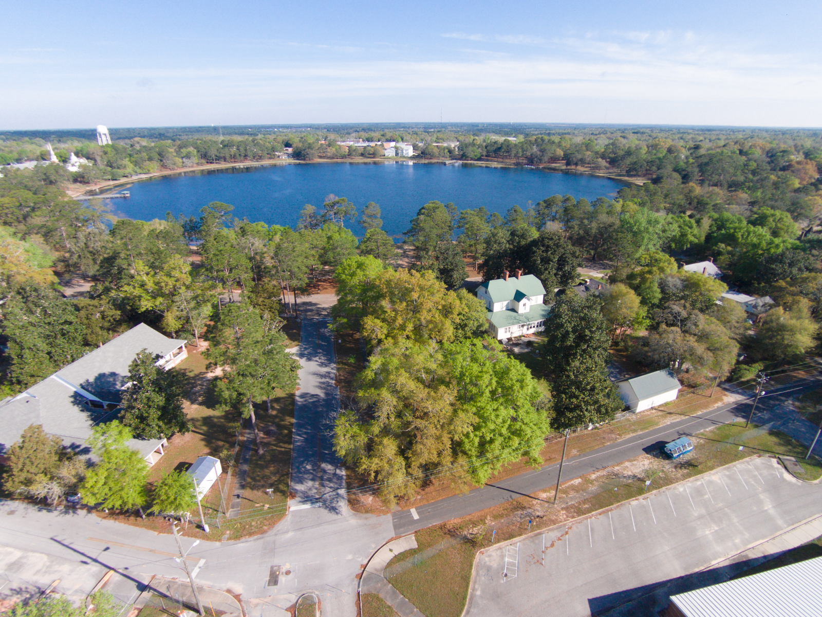 土地 为 销售 在 RARE LAKEFRONT LOT IN HISTORIC NEIGHBORHOOD 236 Circle Drive Defuniak Springs, 佛罗里达州, 32435 美国