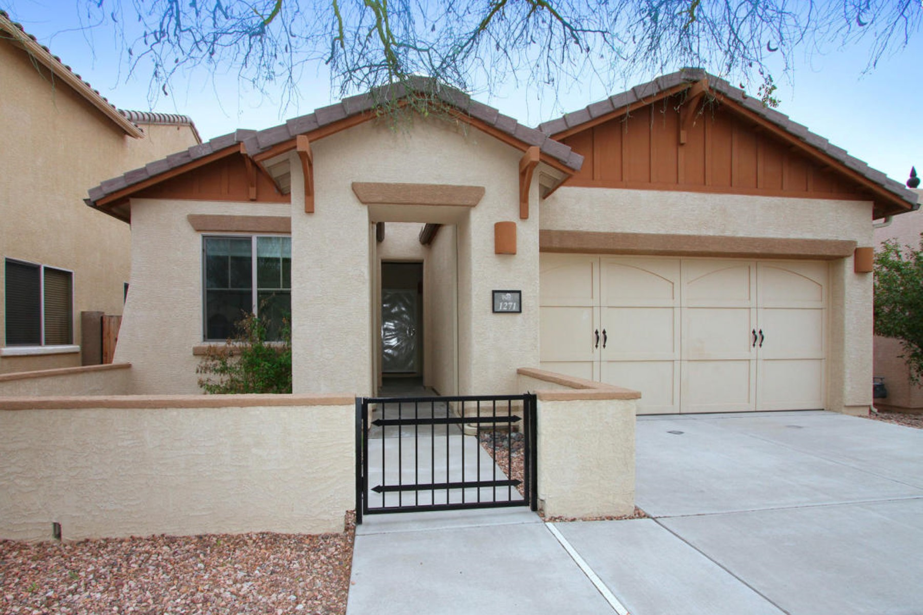 Property For Sale at Enter this Lovely Light and Bright home located in Oro Valley