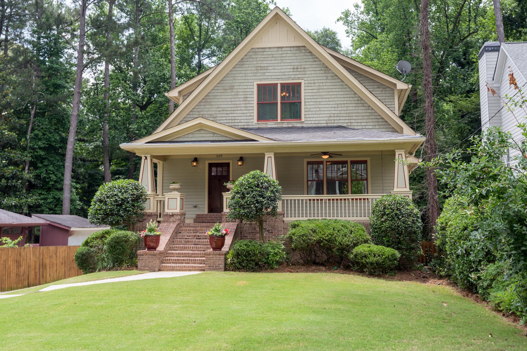 獨棟家庭住宅 為 出售 在 Popular Ashford Park Neighborhood 1649 Wayland Circle NE Ashford Park, Atlanta, 喬治亞州, 30319 美國