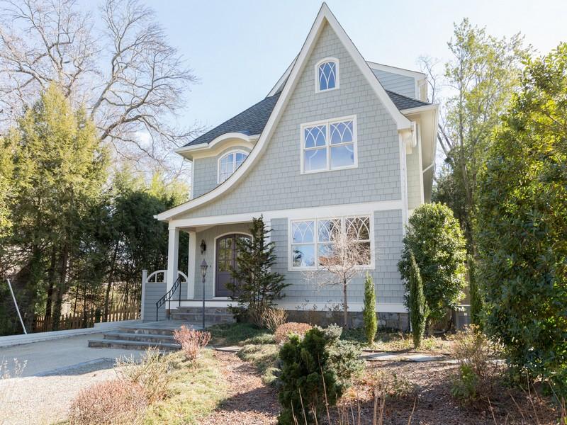 一戸建て のために 売買 アット Palisades 4848 Hutchins Place Nw Washington, コロンビア特別区 20007 アメリカ合衆国