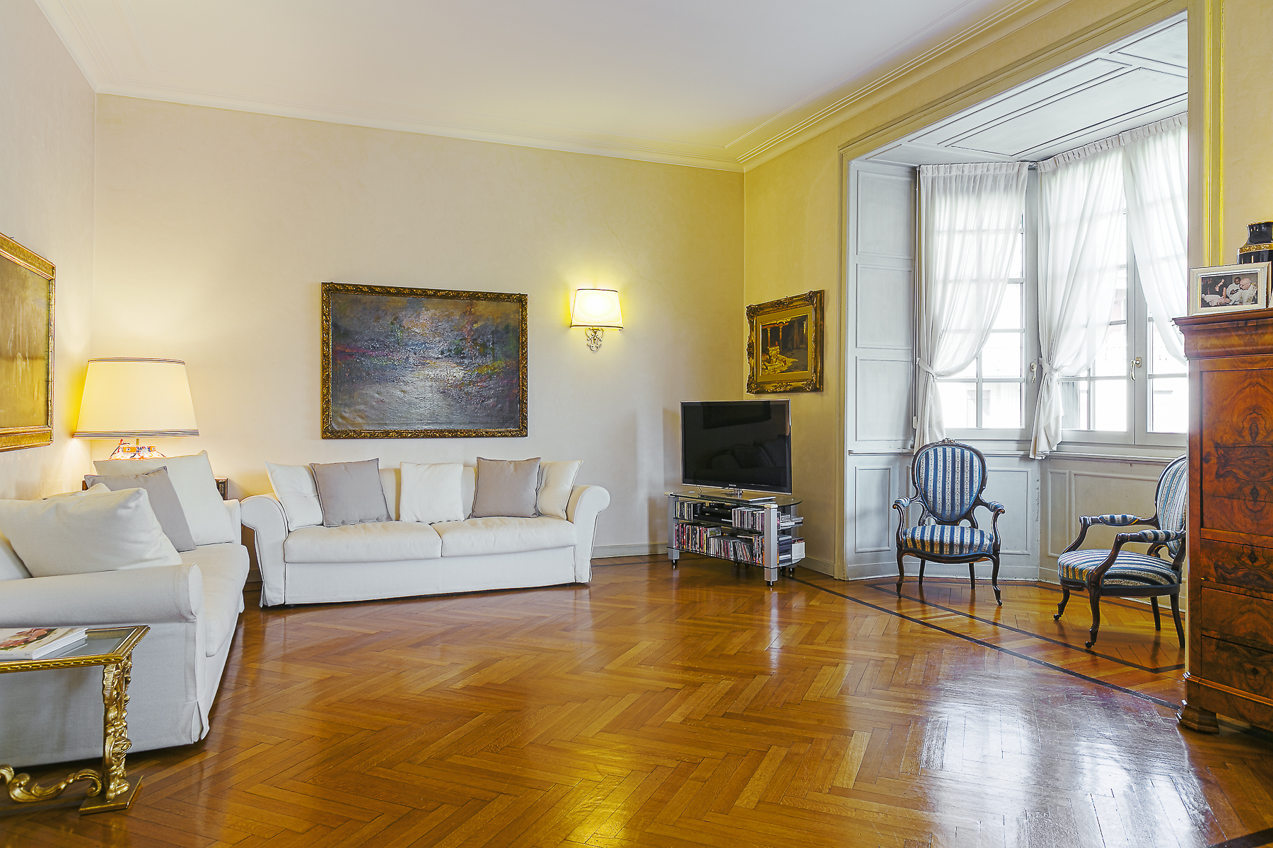 Apartment for Sale at Splendid apartament in a prestigious building via Cadamosto Milano, Milan 20129 Italy