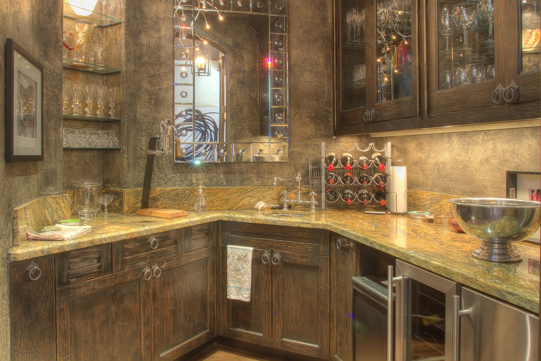 Additional photo for property listing at Old World Craftsmanship Meets Contemporary Mountain Living 102 Sutton Place Ketchum, Idaho 83340 États-Unis