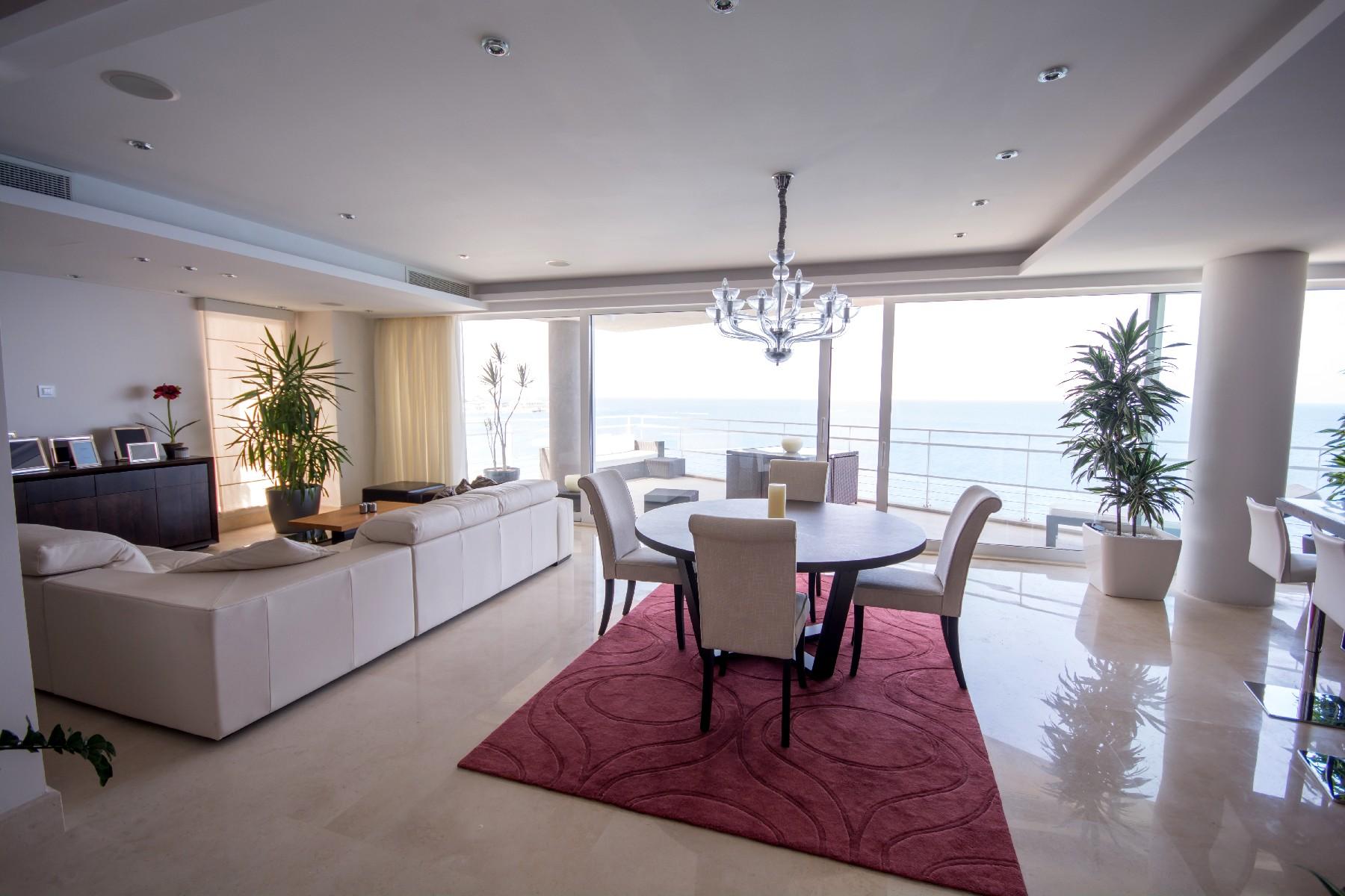아파트 용 매매 에 Superb Seafront Apartment Sliema, 몰타
