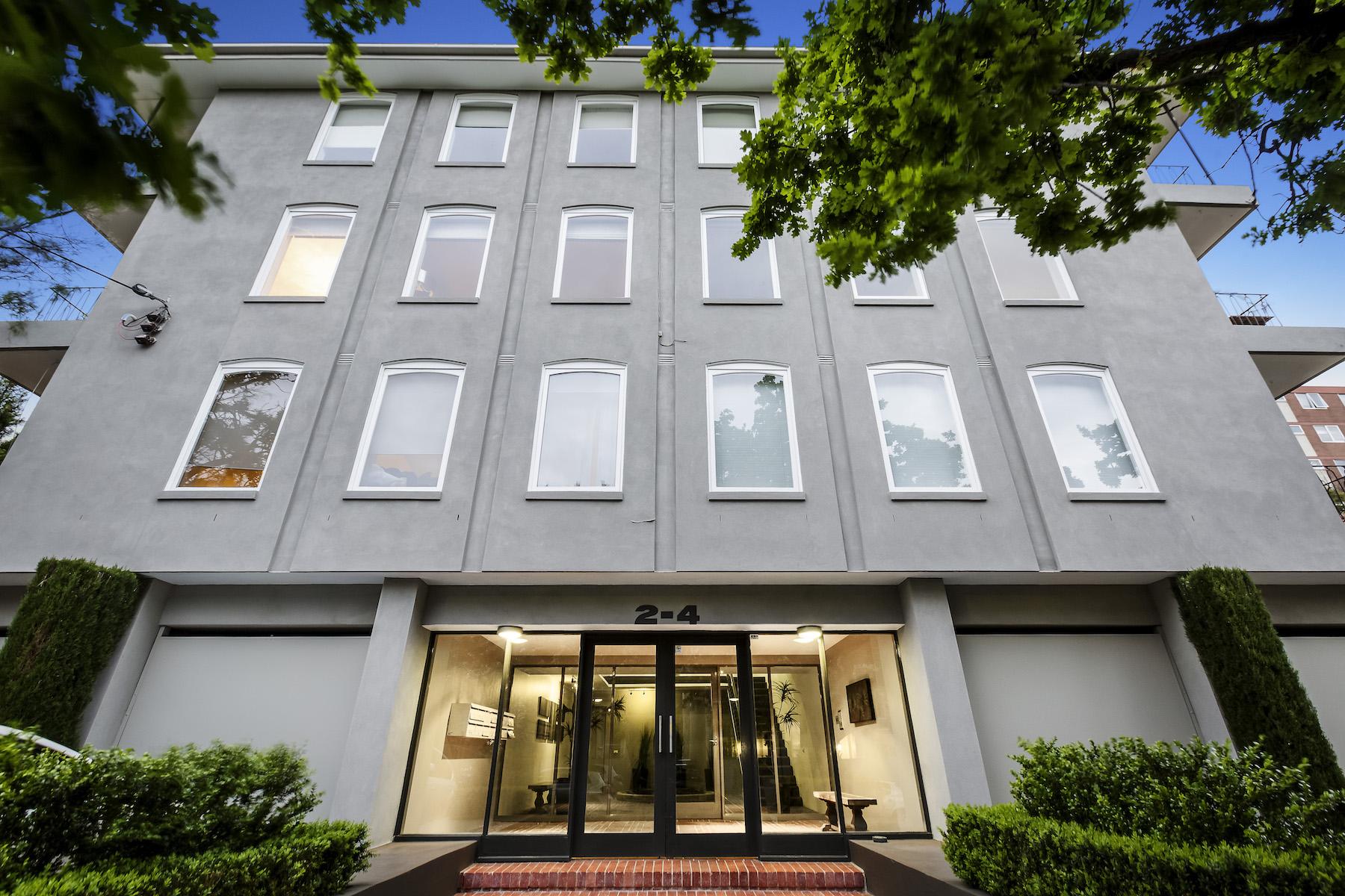 Tek Ailelik Ev için Satış at 1 at 2-4 Kensington Road, South Yarra 1 at 2 Kensington Road Melbourne, Victoria, 3141 Avustralya
