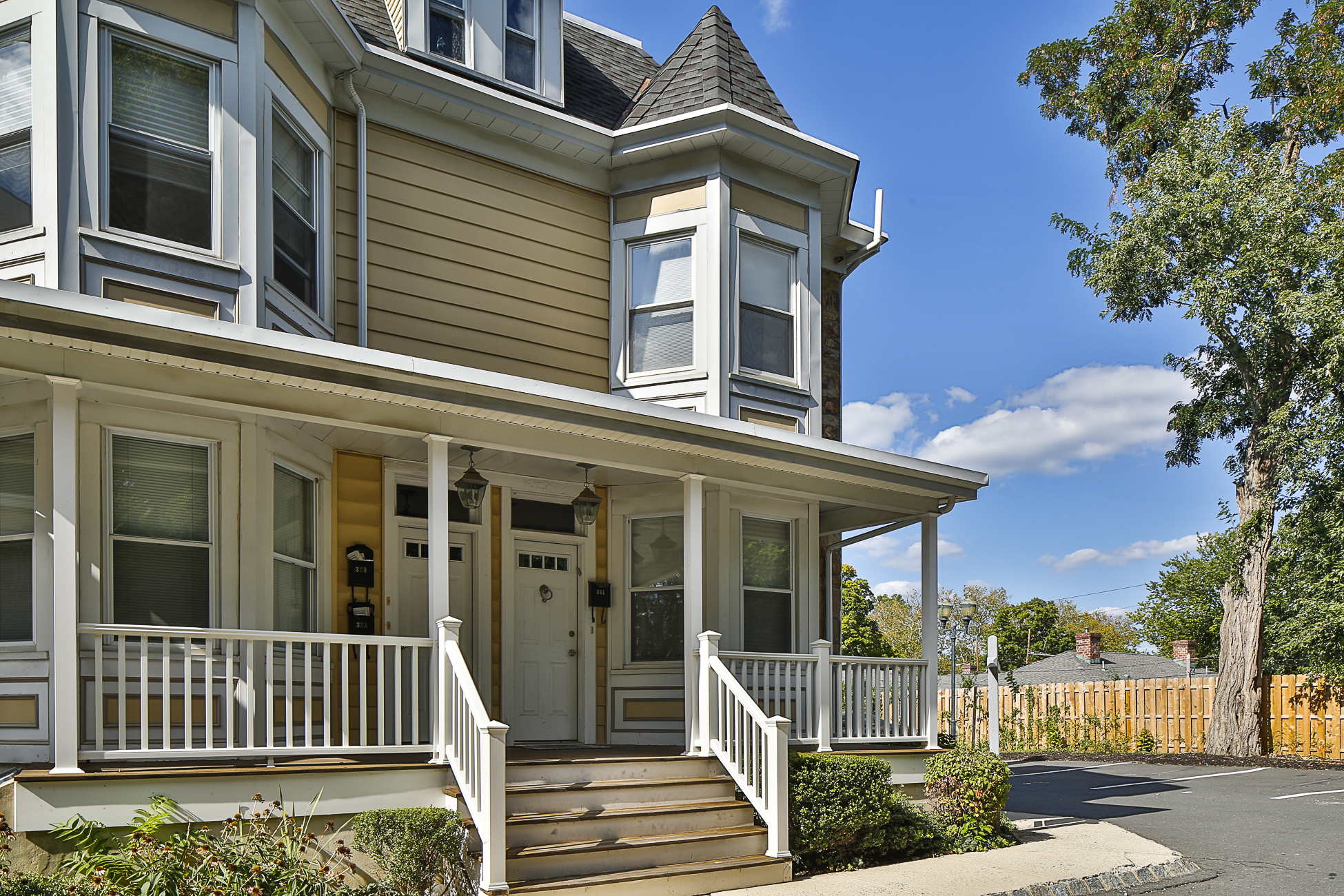 Property For Sale at Lovely End Unit in Washington Mews