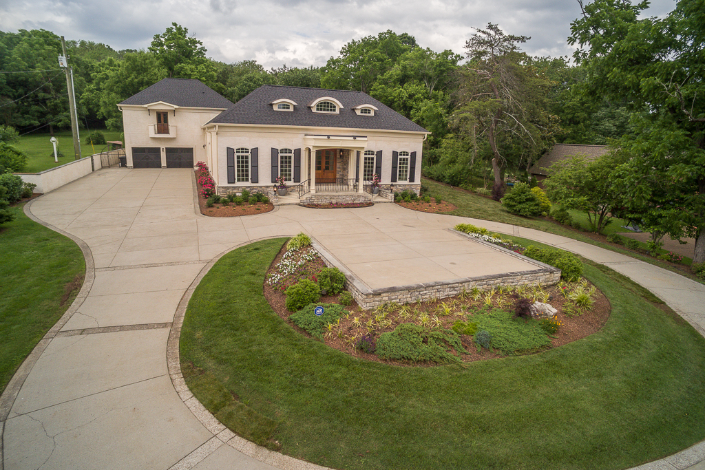 Single Family Home for Sale at New Luxury Home in Oak Hill 789 Elysian Fields Road Nashville, Tennessee 37204 United States