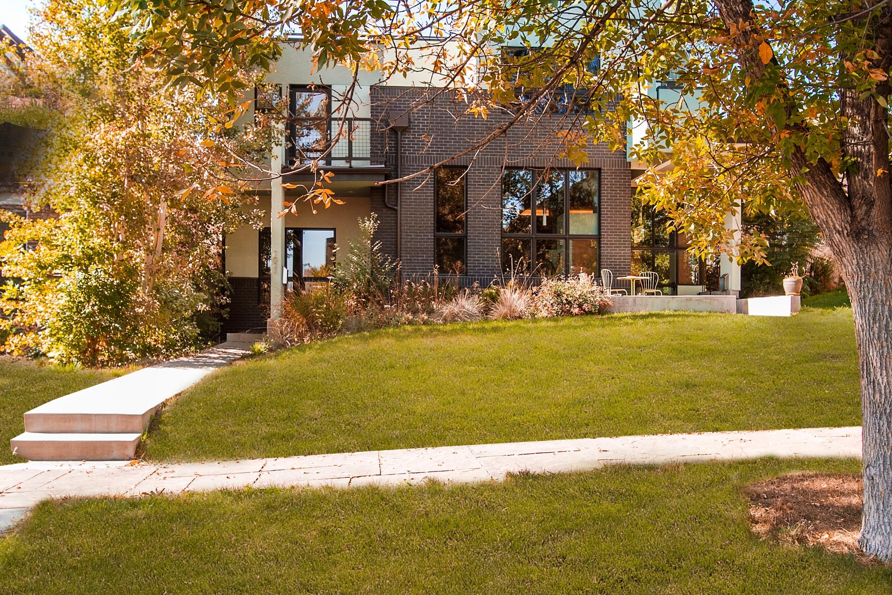 Maison de Ville pour l Vente à 2021 Grove Street Denver, Colorado 80211 États-Unis