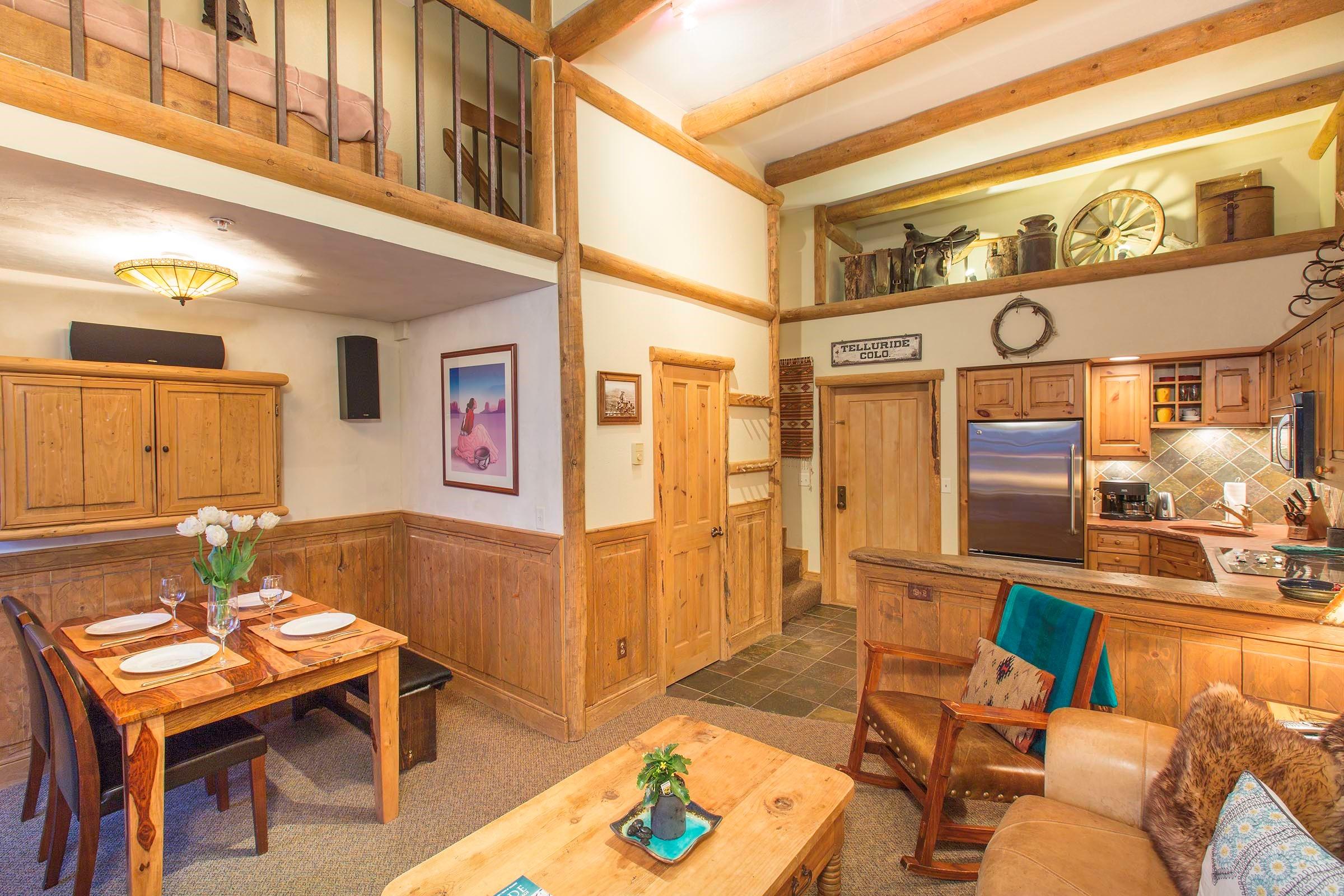 共管式独立产权公寓 为 销售 在 Columbia Place 10 562 Mountain Village Blvd., Unit #10 特柳赖德, 科罗拉多州, 81435 美国