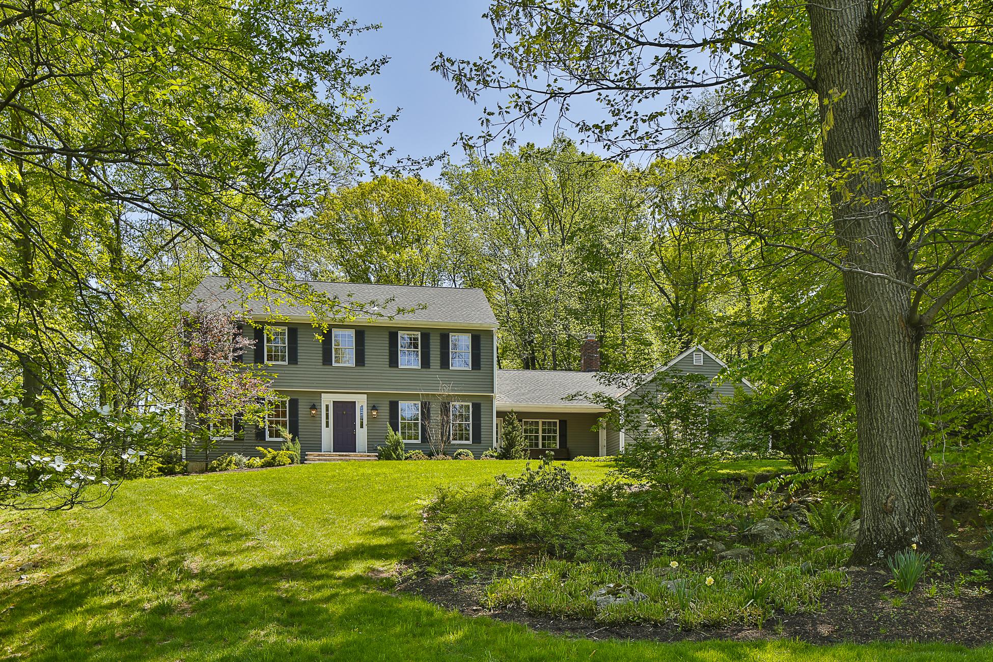 Casa Unifamiliar por un Venta en Classic Elegance 49 Dogwood Hill Princeton, Nueva Jersey 08540 Estados Unidos