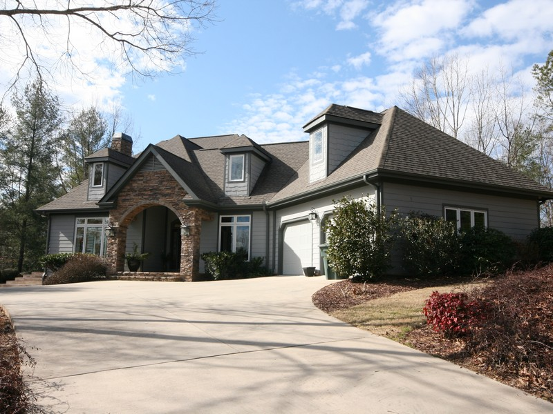 Single Family Home for Sale at Wide-Open Living Spaces 523 Ginseng Drive The Cliffs At Keowee Vineyards, Sunset, South Carolina 29685 United States