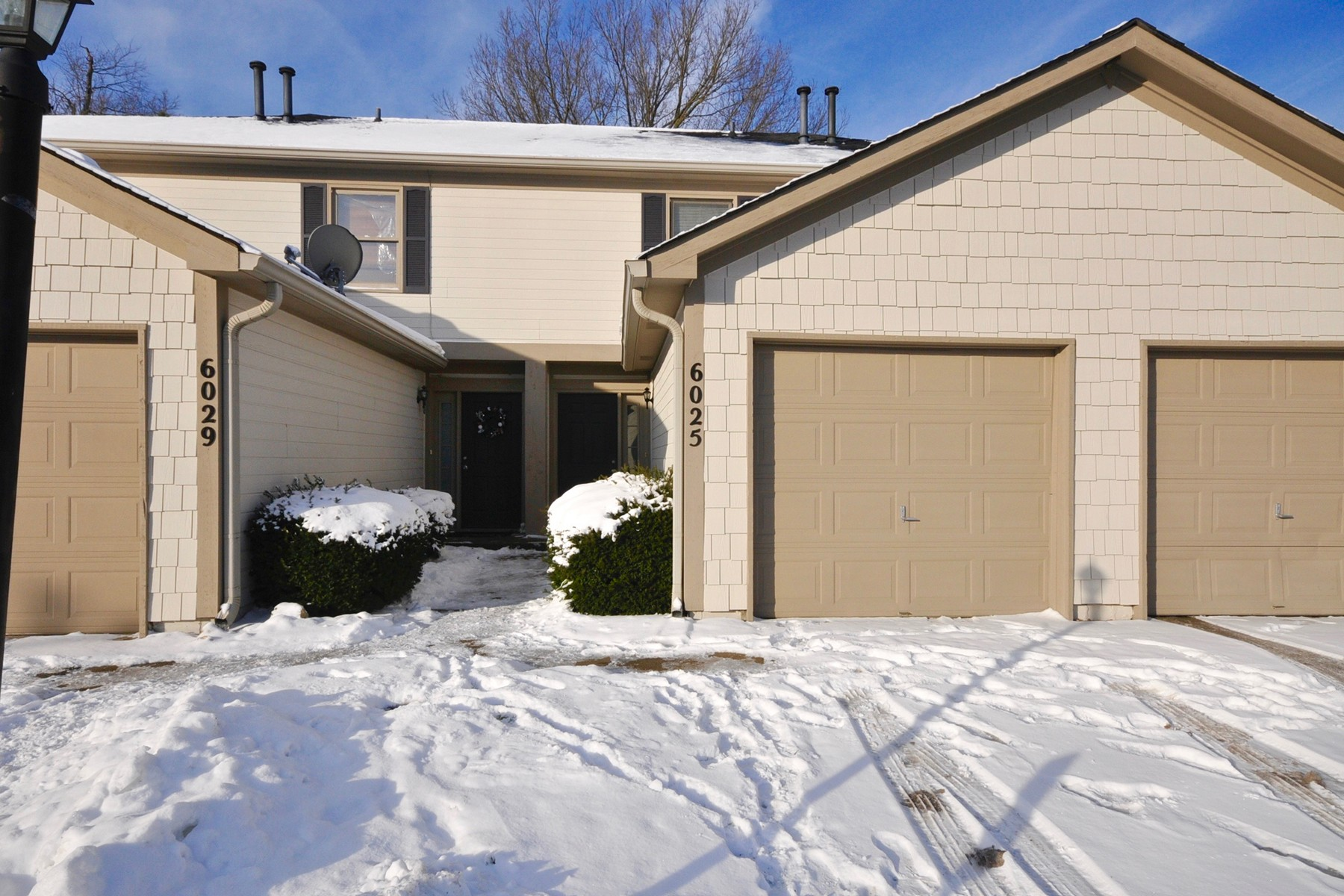 Property For Sale at Updated 2 Bedroom Townhome